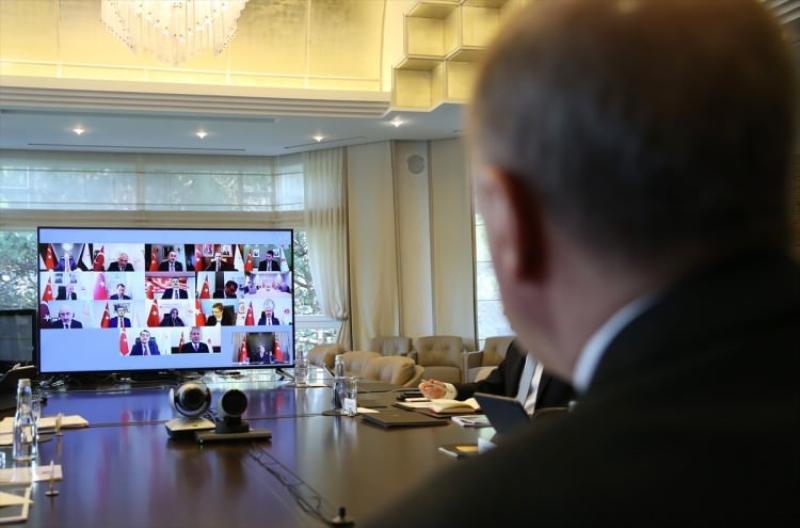 Cumhurbaşkanlığı+Kabinesi+ilk+kez+video+konferans+ile+toplandı