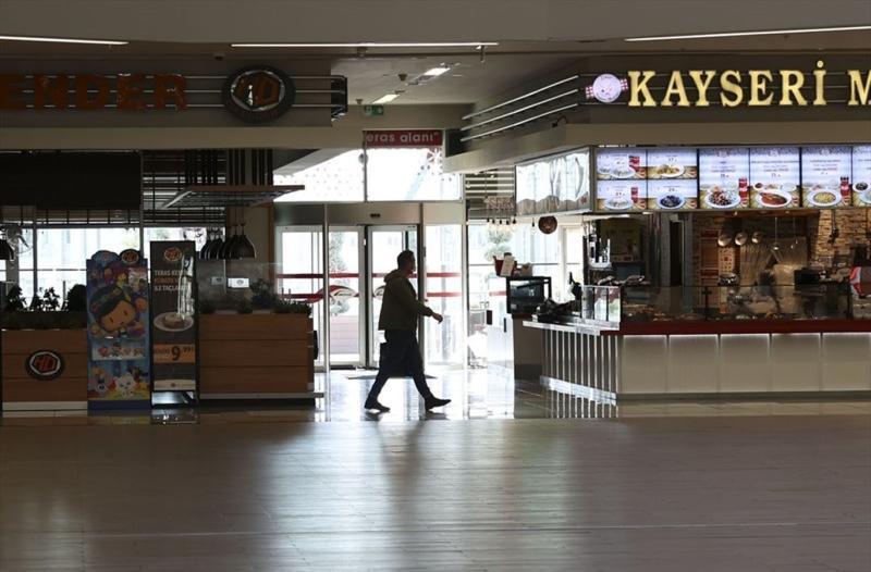 Kafe+ve+restoranlarda+%C4%B1eni+d%C3%B6nem+baþladý%21;+Ýþte+ilk+g%C3%BCnden+fotoðraflar...
