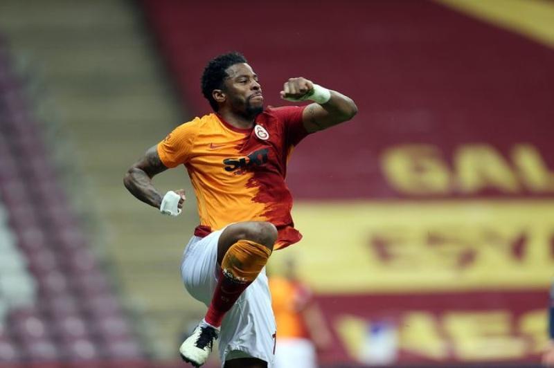 Galatasaray%E2%80%99da+tam+12+futbolcunun+s%C3%B6zle%C5%9Fmesi+bug%C3%BCn+bitiyor