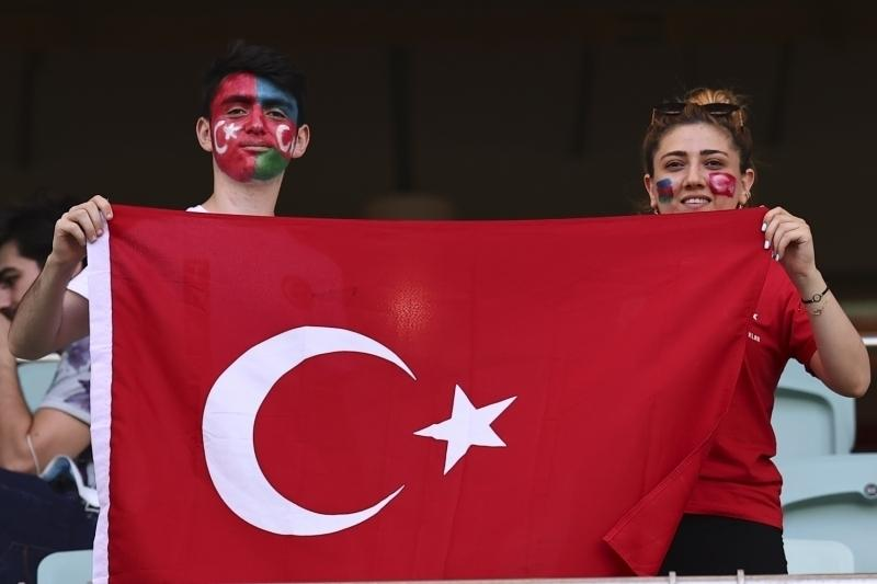 Can+Azerbaycan%21;+Millilere+Bak%C3%BC%E2%80%99de+b%C3%BCy%C3%BCk+destek