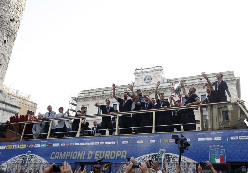 EURO+2020+%C5%9Fampiyonu+%C4%B0talya,+%C5%9Fampiyonluk+turu+att%C4%B1