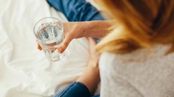 Sabah kalktığınızda bir bardak su içerseniz...