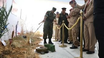 Libya ordusu Rus Wagner'in tuzakladığı mayınları sergiledi