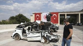 15 Temmuz'da darbecilerin zarar verdiği araçlar Meclis'te