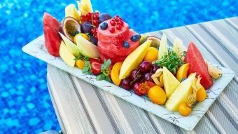 Ateş düşüren ve uykusuzluğa iyi gelen yaz meyveleri