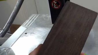 Bu tahta parçasını muhteşem bir yüzüğe dönüştürdü