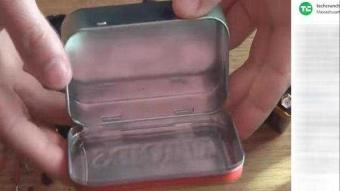 Teneke kutudan şarj aleti yaptı