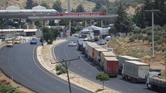 Cilvegözü'nden Suriye'ye 7 ayda 10 bin 115 yardım tırı gönderildi