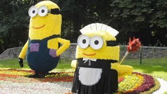 Ukrayna'da çiçeklerle yapılan çizgi film karakterleri büyük ilgi görüyor