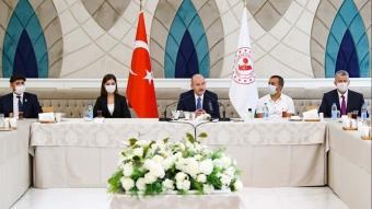 İçişleri Bakanı Süleyman Soylu, gazi ve gazi yakınlarıyla bir araya geldi