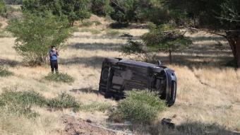 Erzincan'da kamyonet şarampole devrildi: 7 yaralı