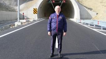 Bakan Karaismailoğlu, Kahramanmaraş-Göksun kara yolunda yapılan çalışmaları inceledi