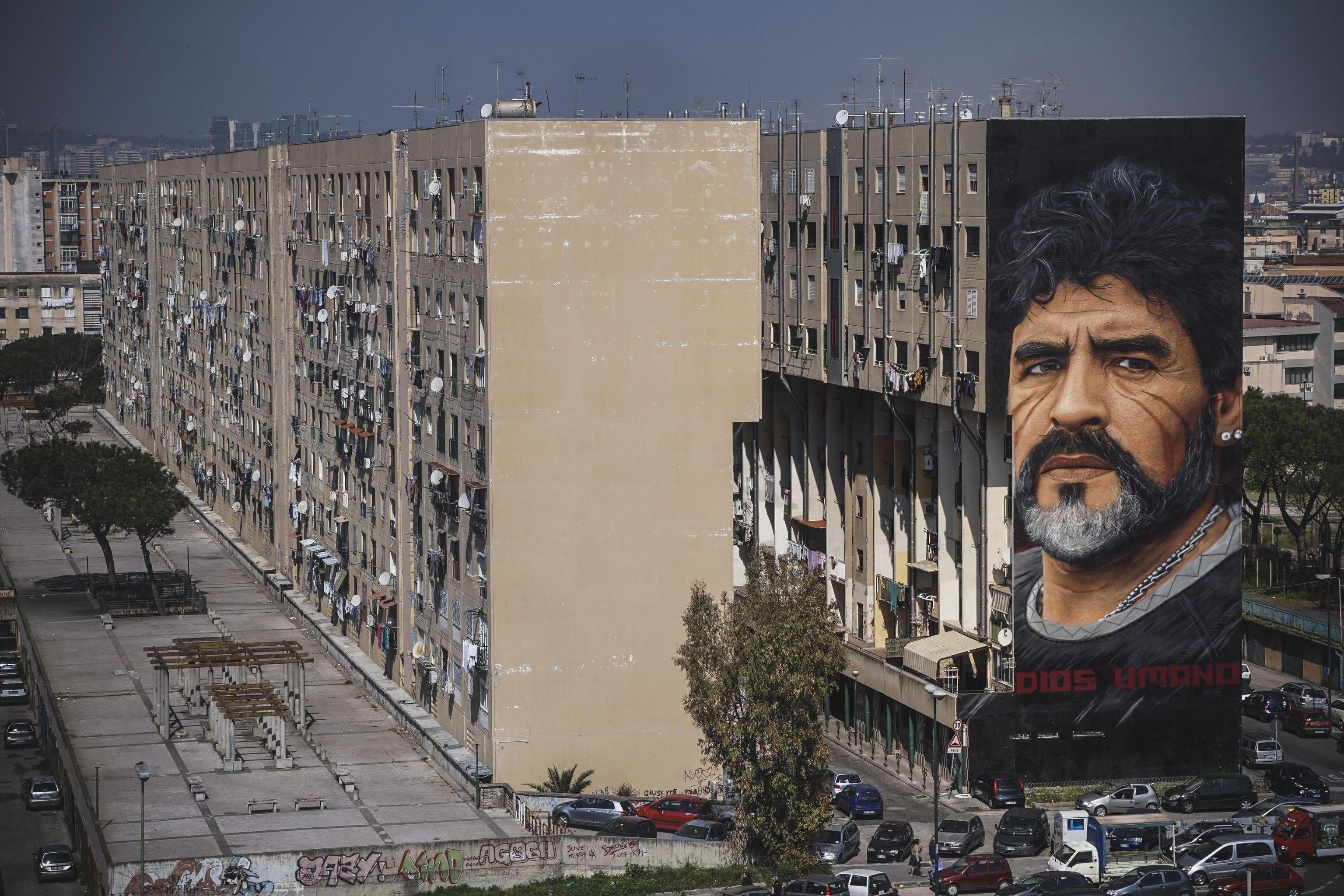 Maradona sevgisi duvarlara böyle yansımıştı