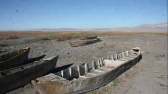 Suların çekilince kayık mezarlığı ortaya çıktı
