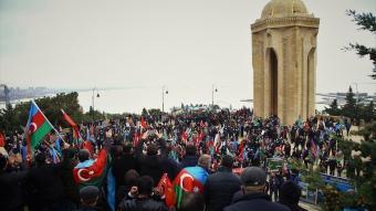 Azerbaycanlılar, 28 yıl Ermenistan'ın esaretinde kalan Laçın bölgesinin işgalden kurtarılmasını kutluyor