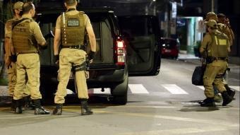 Film gibi soygun! Ağır silahlı 30 kişi bankaya saldırı düzenledi