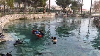 Engelli gencin dalış hayali Pamukkale'de gerçek oldu