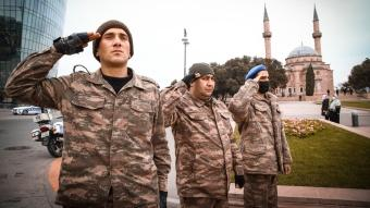 Azerbaycan'da şehit olan askerler saygı duruşuyla anıldı