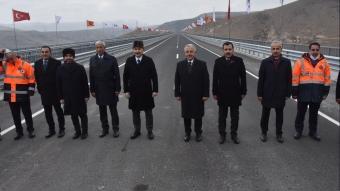 Bakan Karaismailoğlu, Sarıkamış-Karakurt-Horasan yolu açılış törenine katıldı