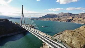 16 ili birbirine bağlayan Kömürhan Köprüsü açıldı