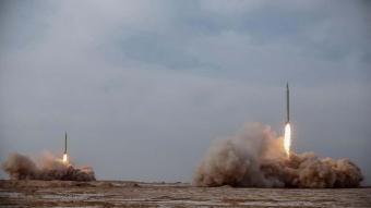 İran, Hint Okyanusu'ndaki temsili hedeflere uzun menzilli balistik füzeler fırlattı