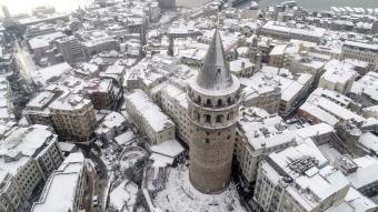 Beyaza bürünen İstanbul'dan kar manzaraları