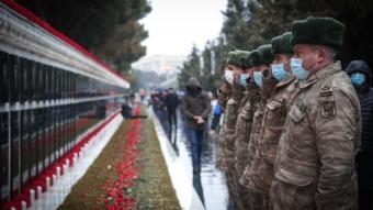 Azerbaycan'da 20 Ocak Katliamı'nın kurbanları yad ediliyor