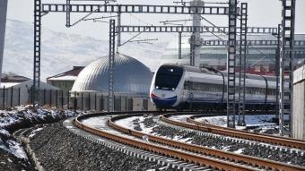 Yüksek Hızlı Tren testlerini yapan tren Sivas'a geldi