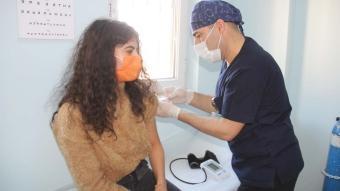 Öğretmenlere koronavirüs aşısının yapılmaya başlandı