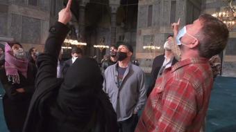Dünyaca ünlü yönetmen Guy Ritchie Ayasofya ve Topkapı Sarayı'nı ziyaret etti