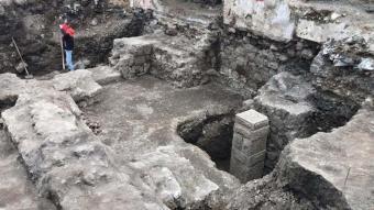Otopark kazısından tarih fışkırıyor!  Görevlilerinin gözetiminde kazı başladı