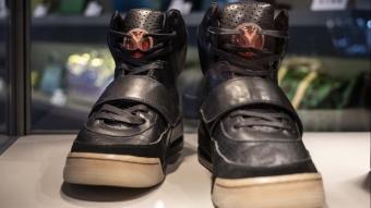 Amerikalı Rapçi Kanye West'in ayakkabısı 2 milyon dolardan satışa çıktı