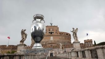 EURO 2020 kupası Roma'da sergilendi