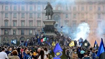 İtalya'da koronavirüs unutuldu: Interli taraftarlardan coşkulu şampiyonluk kutlaması