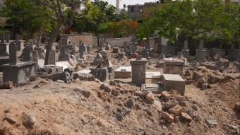 İşgalci İsrail, Filistinlileri mezarlarında bile rahat bırakmadı