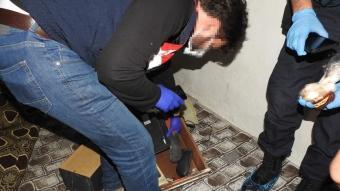 12 ildeki DEAŞ operasyonunda yüklü miktarda Türk lirası ve dövizle altın ele geçirildi