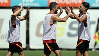 Galatasaray, çalışmalarına hız kesmeden devam etti