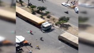 Lübnan'da protestocular Esad'a yardım olarak gönderilen araçların yolunu kesti