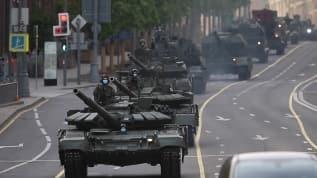 Moskova caddelerinde geçit provası
