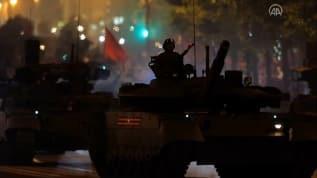Moskova'da askeri geçit provası