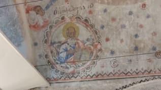 Kubbesinde 'Hz. İsa ve Havari' figürleri bulunan cami tekrar ibadete açıldı