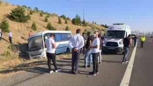Ankara'da ASELSAN personelini taşıyan minibüs ile yolcu otobüsü çarpıştı