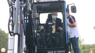 Başkan Erdoğan ilk yerli elektrikli ekskavatörü test etti
