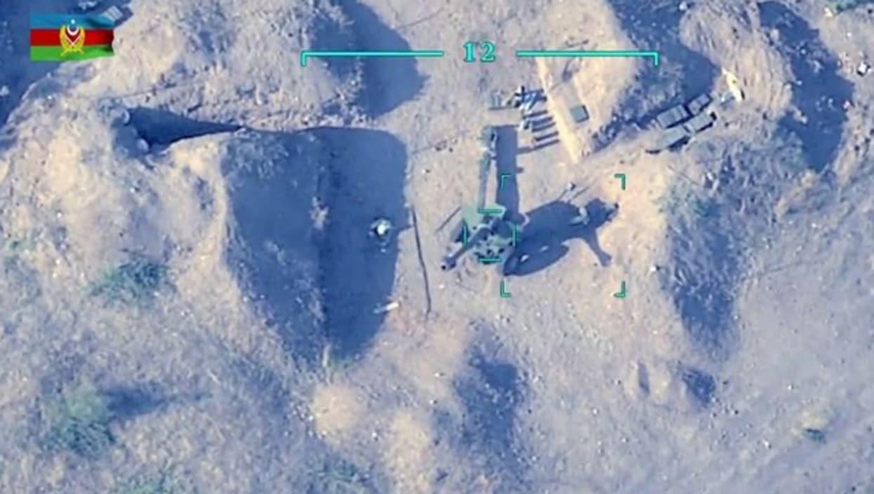<p>Azerbaycan ordu birliklerinin mevzilerini bombalayan işgalci Ermeni ordusuna bağlı topçular, Azer