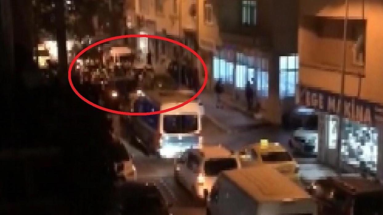 <p>Sağlık Bakanı Fahrettin Koca'nın 3 riskli şehir arasında saydığı Bursa'da düğünlerde sokak