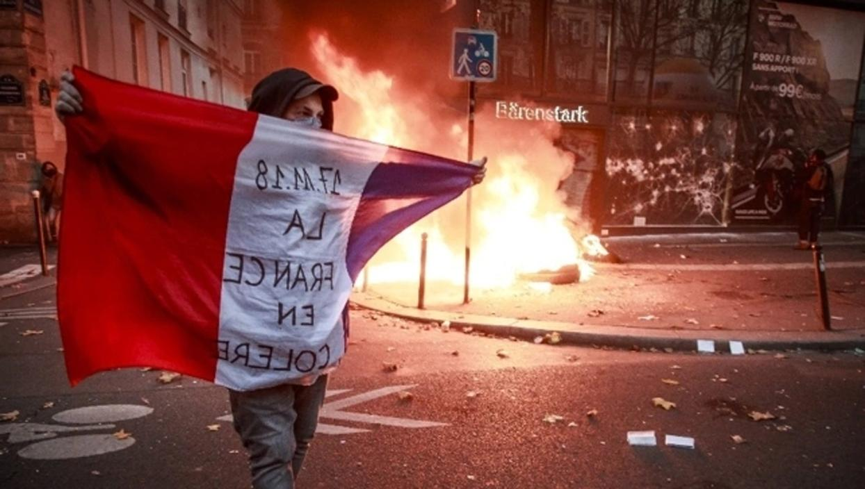 <p>Fransa'da tepkilere neden olan, güvenlik güçlerinin görüntülerinin yayımlanmasını yasaklayan güve