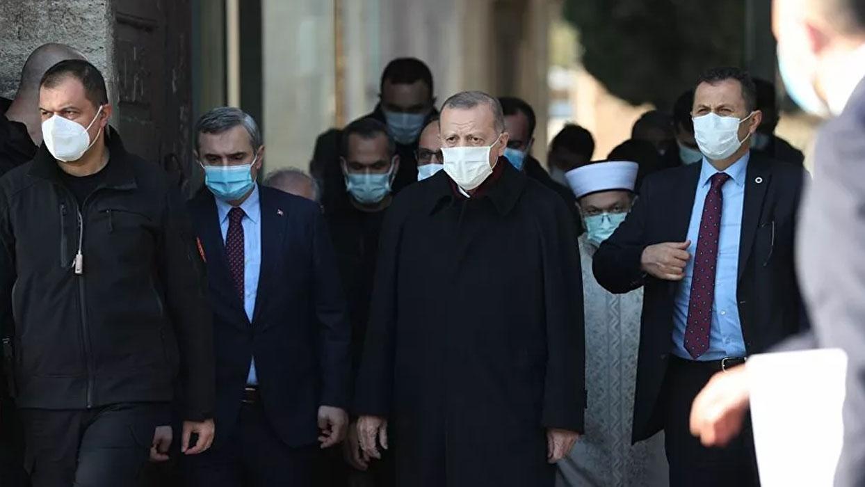 <h3>Başkan Erdoğan'dan 'yeni aşı açıklaması'</h3><h3>'AŞI OLURUM'</h3><p>Başkan Erdoğan,' aşı olacak