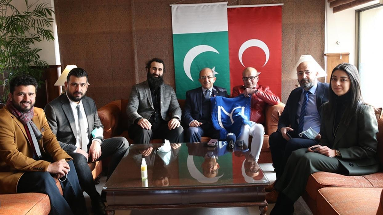 <p><span>Türkiye ile Pakistan arasında tarihi bir televizyon dizisi projesi için harekete geçildi.&n