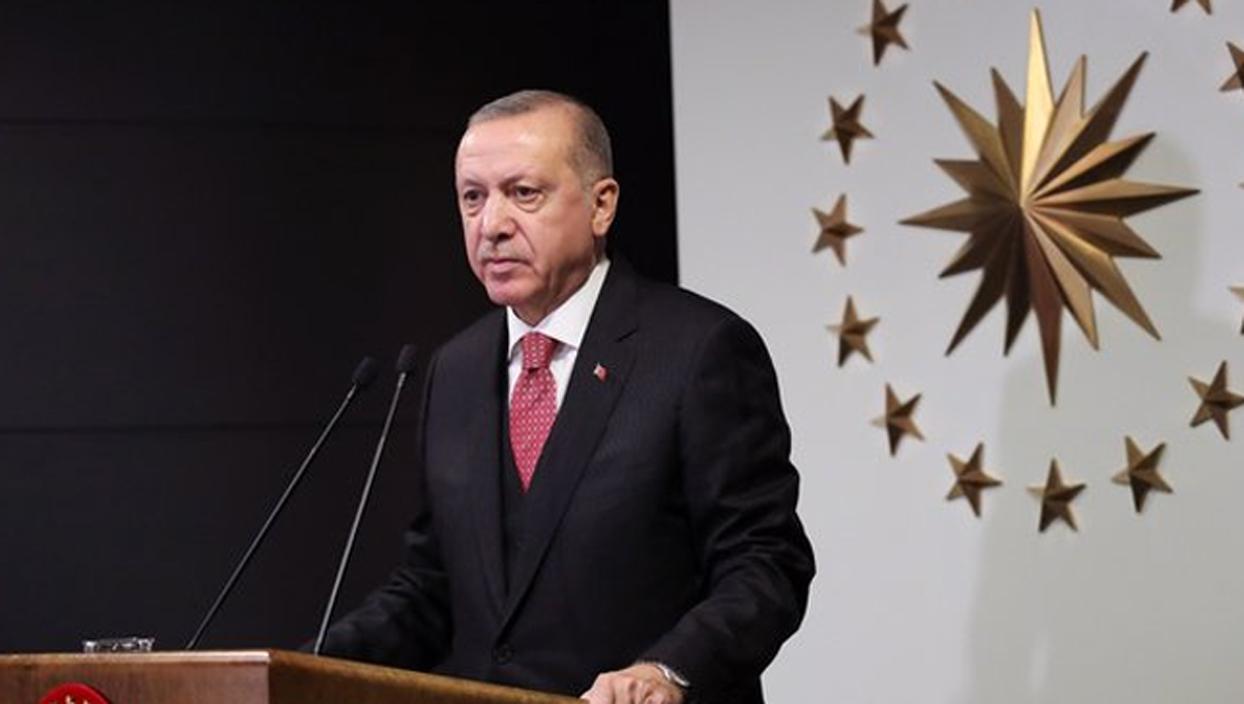 <p>Başkan Recep Tayyip Erdoğan, Cumhurbaşkanlığı Külliyesi'nden canlı bağlantıyla AK Parti 7. Olağan