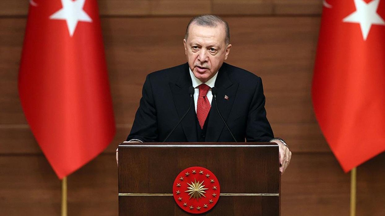 <p>Başkan Erdoğan: Türkçe'de kelime katliamı oldu </p><p>KÜLTÜR VE TURİZM ÖZEL ÖDÜLLERİ </